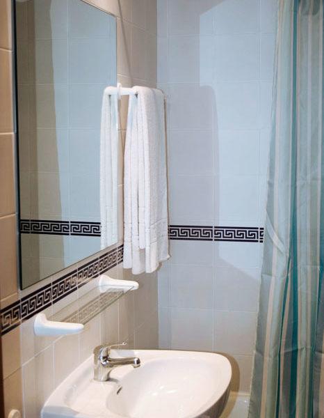 apartamentos-torrelaguna-ducha